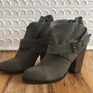 BETSY JOHNSON PERFORATED TAUPE NEETO ANKLE BOOTIES